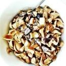 veganes Rezept: vegane Pilzpfanne mit Kräuterseitlingen, schwarzen Oliven, Vollkornnudeln