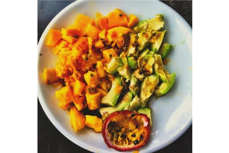 veganes Rezept: Mango Avocado Maracuja Salat