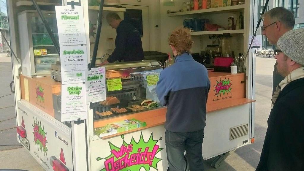 Vegan essen München: Was Gscheitz in München, Wochenmarkt veganer Stand