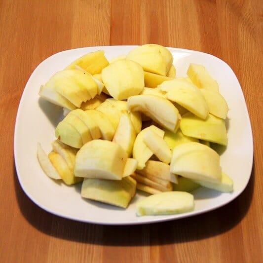 Apfelkuchen vegan Aepfel geschnitten