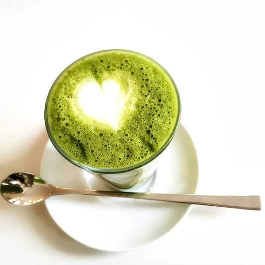 Matcha Latte veganes Fruehstueck