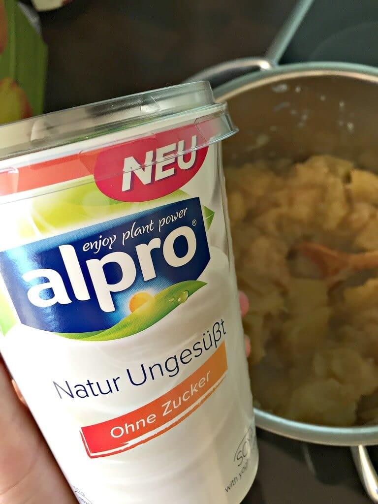Sojajoghurt mit Apfel und Walnuss vegane Frühstücksideen