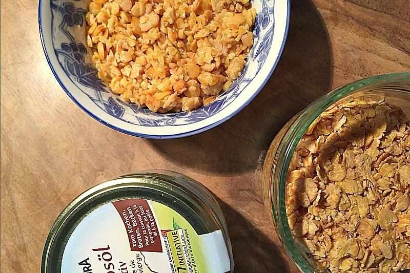 Sojajoghurt mit Apfel und Walnuss veganes Frühstück Rezepte